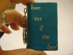love me if u dare